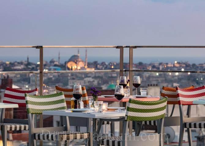 Uptown Restaurant & Lounge