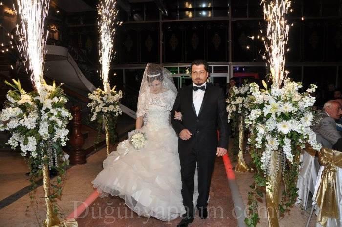 Düğün girişi süsleme