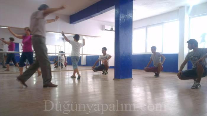 Sarı Zeybek Dans ve Sahne Sanatları