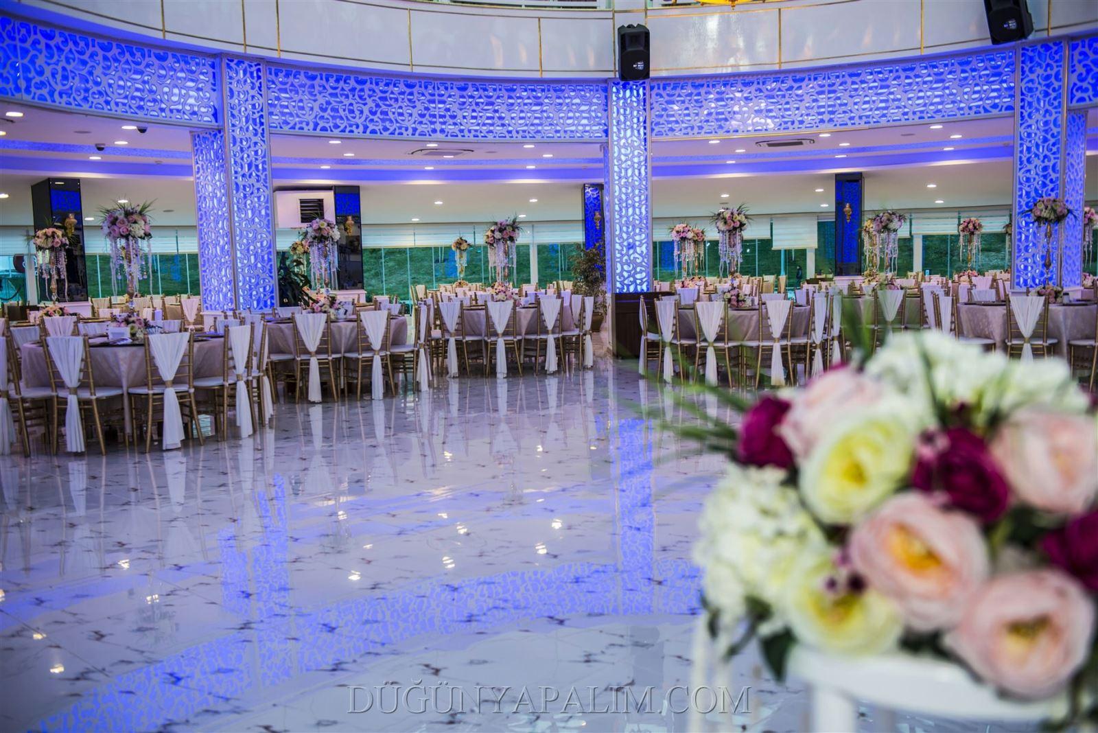 Kır Düğünü Mü Salon Düğünü Mü